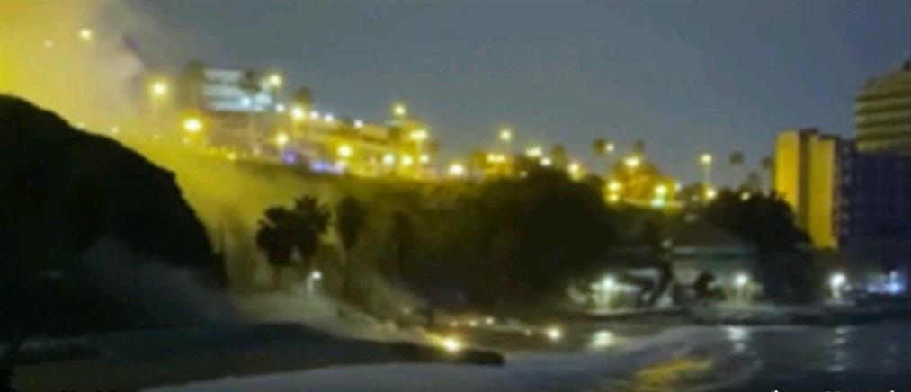 Ελεγχόμενη έκρηξη νάρκης στη θάλασσα (βίντεο)