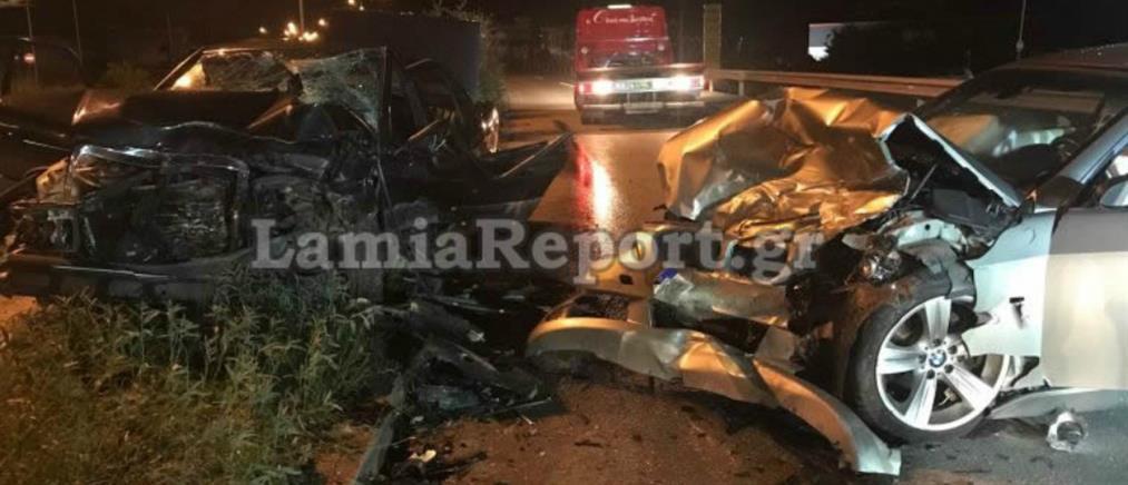 Τραγωδία στη Λαμία: Καρέ-καρέ η μετωπική σύγκρουση των δύο αυτοκινήτων (βίντεο)