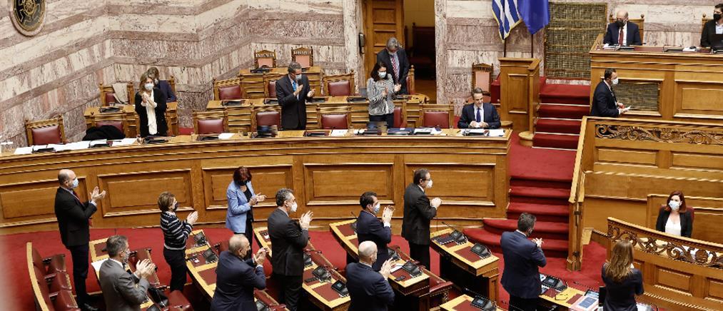 Βουλή: Υπερψηφίστηκε το νομοσχέδιο για τα Πανεπιστήμια