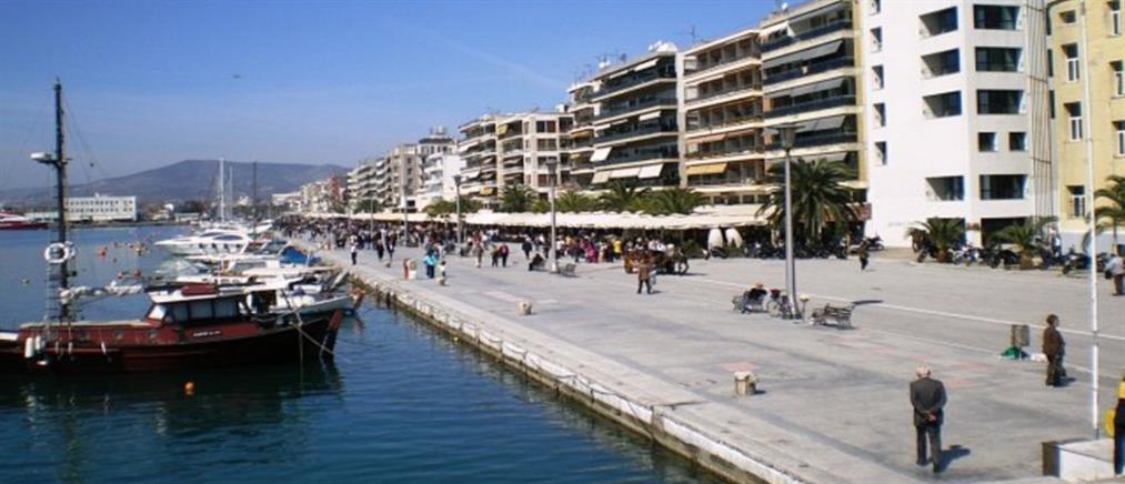 Απαγόρευση κυκλοφορίας στις παραλίες Πάτρας και Βόλου
