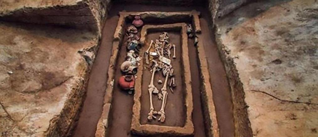"""Ανακάλυψαν νεκροταφείο αρχαίων """"γιγάντων"""" (φωτό)"""