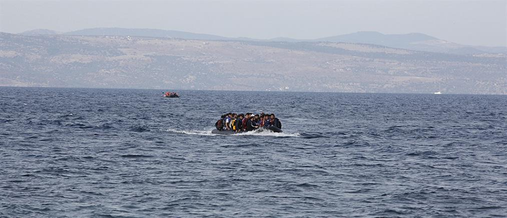 Φωτογραφία - σοκ νεκρού μετανάστη στη θάλασσα