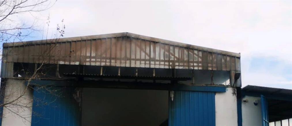 Φωτιά σε συσκευαστήριο φρούτων και λαχανικών (εικόνες)