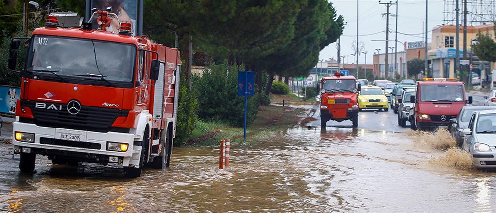 """Κακοκαιρία """"Ηφαιστίων"""": κινδύνευσαν κάτοικοι και οδηγοί στην Κρήτη"""