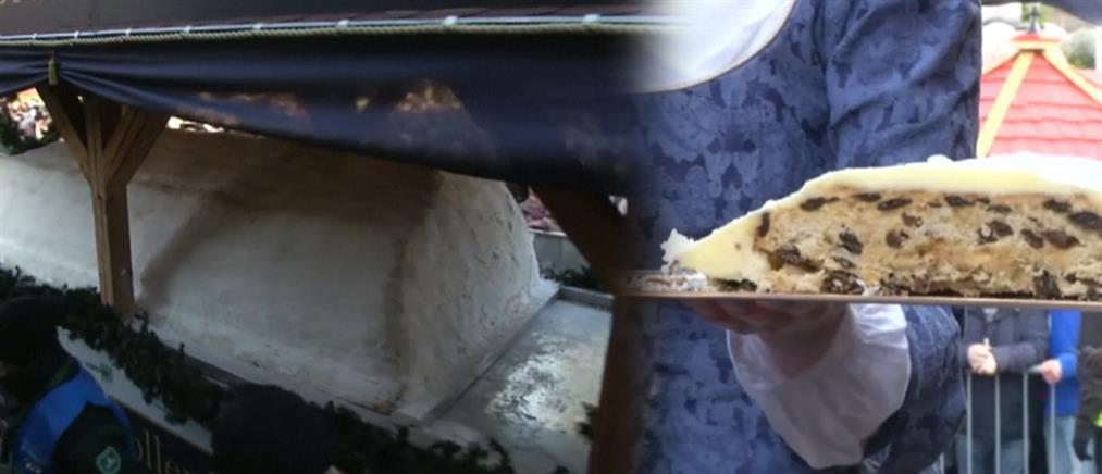 Το χριστουγεννιάτικο κέικ που μεταφέρεται με άμαξα! (βίντεο)
