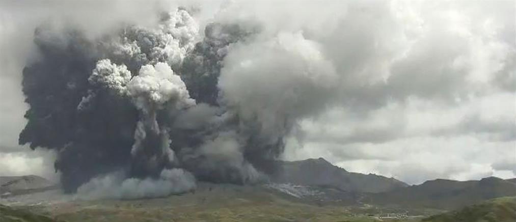 Ιαπωνία: Συναγερμός για το ηφαίστειο στο Όρος Άσο (βίντεο)