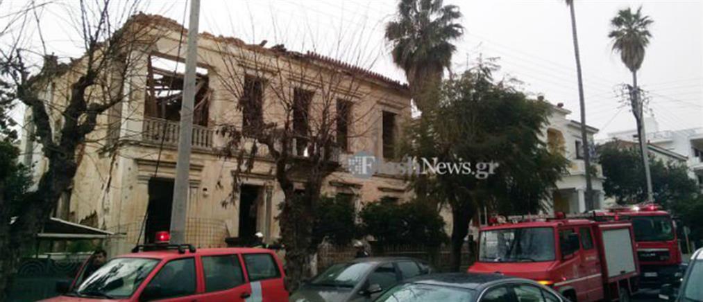 Κατέρρευσε η στέγη νεοκλασικού κτιρίου στα Χανιά (εικόνες)