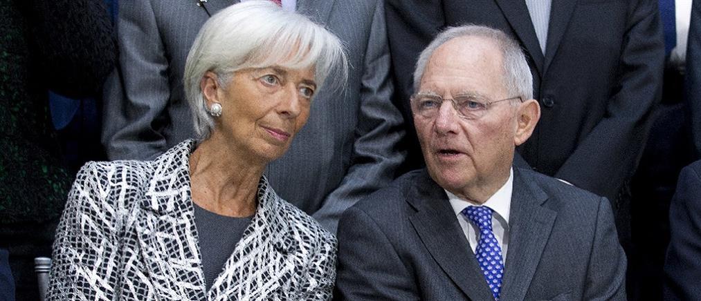 """ΔΝΤ: """"Εξαιρετικά μη βιώσιμο"""" το ελληνικό χρέος"""