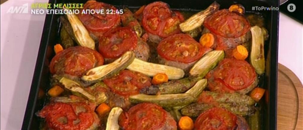 Μπιφτέκια φούρνου με μελωμένες πατάτες από τον Βασίλη Καλλίδη (βίντεο)
