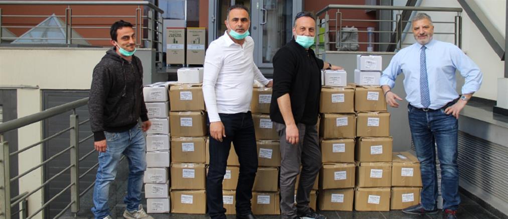 Μάσκες και αντισηπτικά σε γηροκομεία της Αττικής από την Περιφέρεια Αττικής και τον ΕΔΣΝΑ