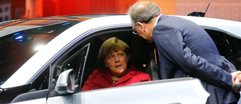 Σάλος για τη χορηγία της BMW στο κόμμα της Μέρκελ