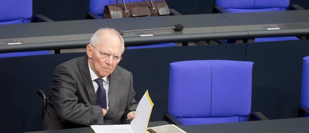 Handelblatt: Ο Σόιμπλε ζητεί την έγκριση των βουλευτών για την Ελλάδα