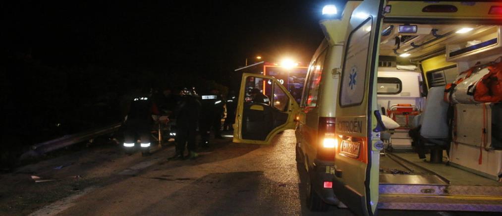 Νεκρή μητέρα δύο παιδιών: έπεσε από την μηχανή της και την χτύπησε αυτοκίνητο