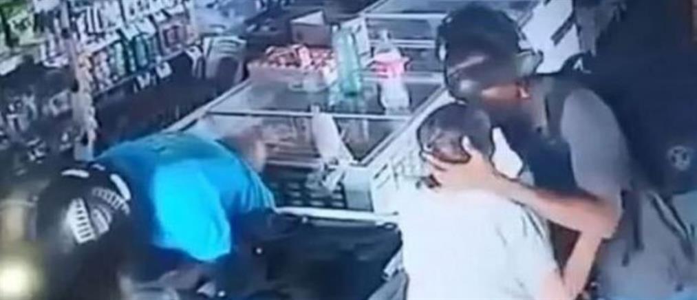 Ληστές αρνήθηκαν να πάρουν τα χρήματα που… τους προσέφερε ηλικιωμένη (βίντεο)