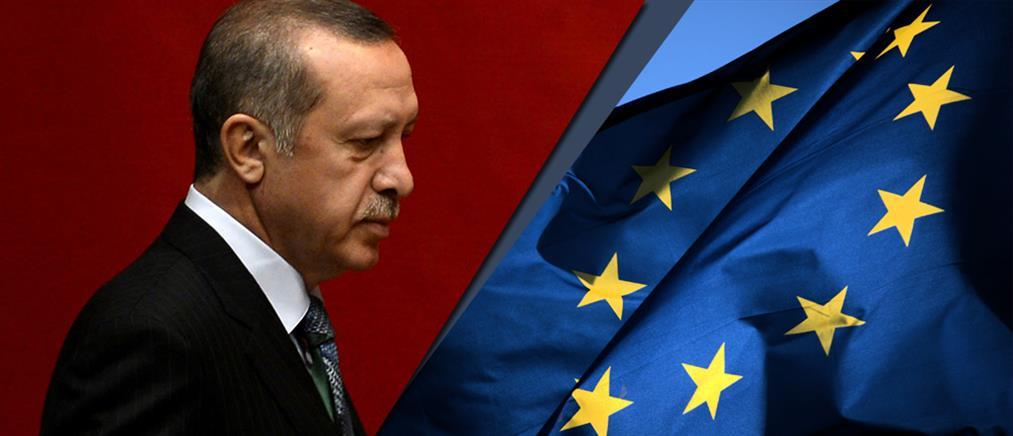 Απειλεί ξανά ο Ερντογάν να ανοίξει τα σύνορα στους πρόσφυγες