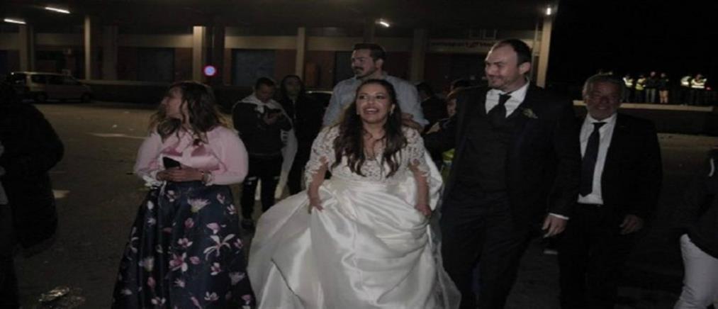 Νύφη ΠΑΟΚτζού άφησε τον… γάμο για να πανηγυρίσει στον Λευκό Πύργο (εικόνες)