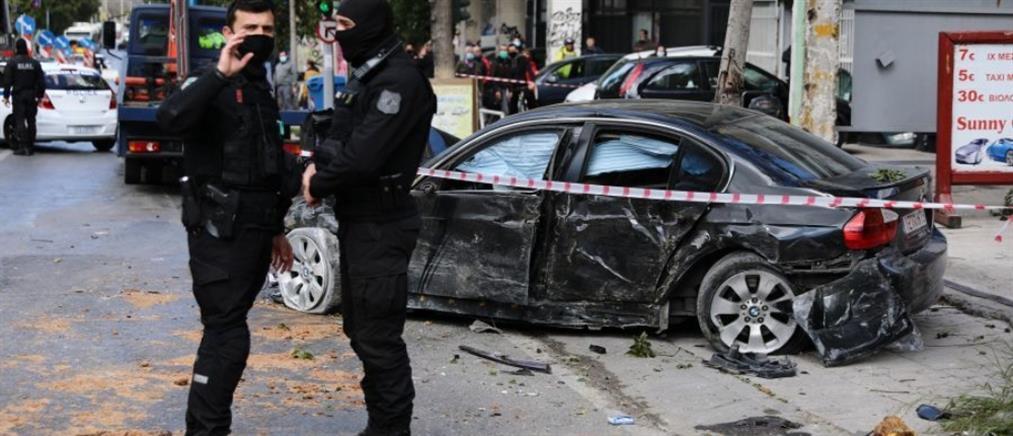 Λιοσίων: Όχημα έπεσε σε πεζούς μετά από καταδίωξη της ΕΛΑΣ (εικόνες)