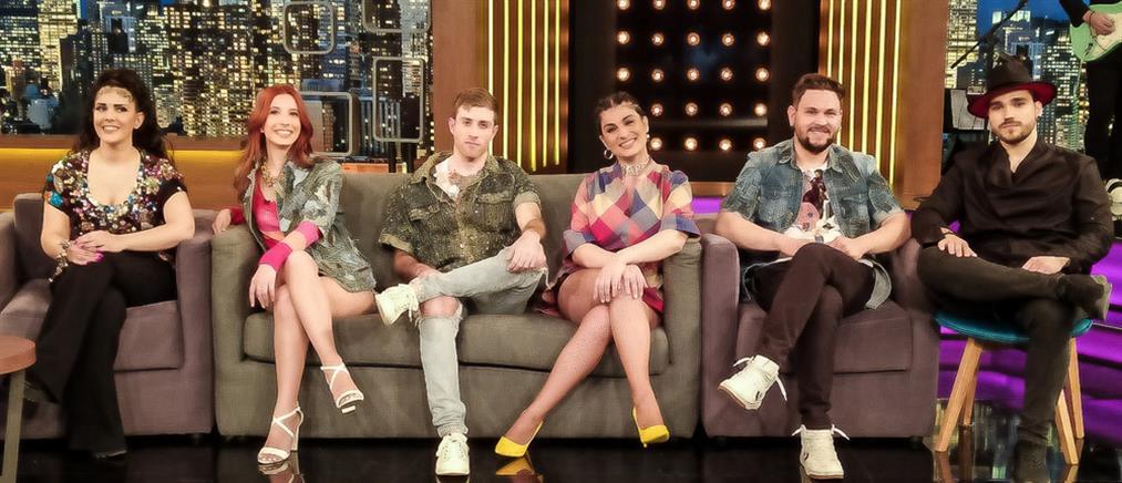 """The 2Night Show"": οι ""VOX"" έμαθαν στον Γρηγόρη Αρναούτογλου να κάνει beatboxing! (βίντεο)"