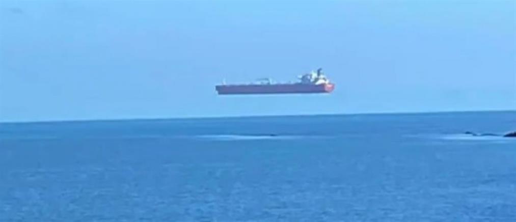 """Τάνκερ """"πετάει"""" πάνω από τη θάλασσα (βίντεο)"""