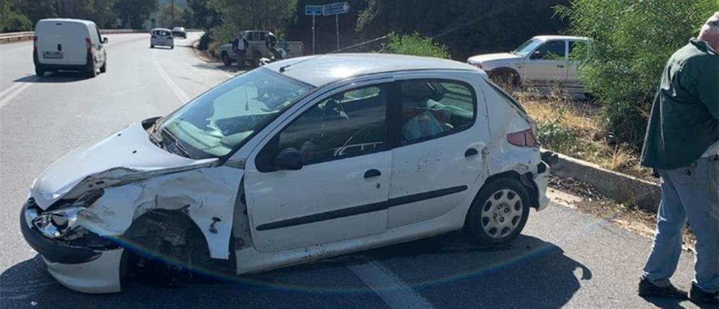 Λασίθι : Αυτοκίνητο εμβόλισε περιπολικό (εικόνες)