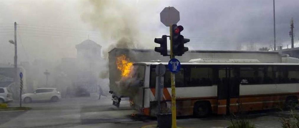 """""""Λαμπάδιασε"""" λεωφορείο του ΚΤΕΛ (εικόνες)"""