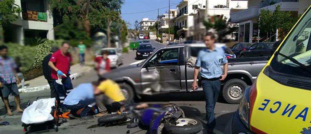 Τραυματίας οδηγός μηχανής μετά από σύγκρουση με αγροτικό (εικόνες)