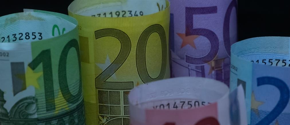 """Προϋπολογισμός: απλήρωτοι φόροι - """"βουνό"""" τον Μάρτιο"""