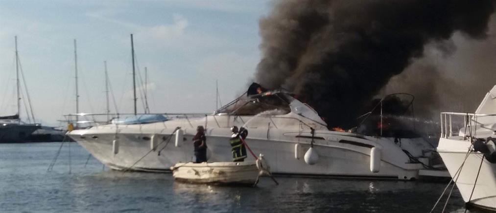 Φωτιά σε σκάφος στον Φλοίσβο