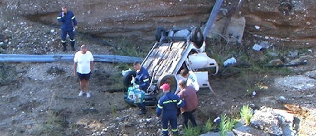 Κινέτα: Αυτοκίνητο έκανε βουτιά 12 μέτρων από κατεστραμμένη γέφυρα (εικόνες)