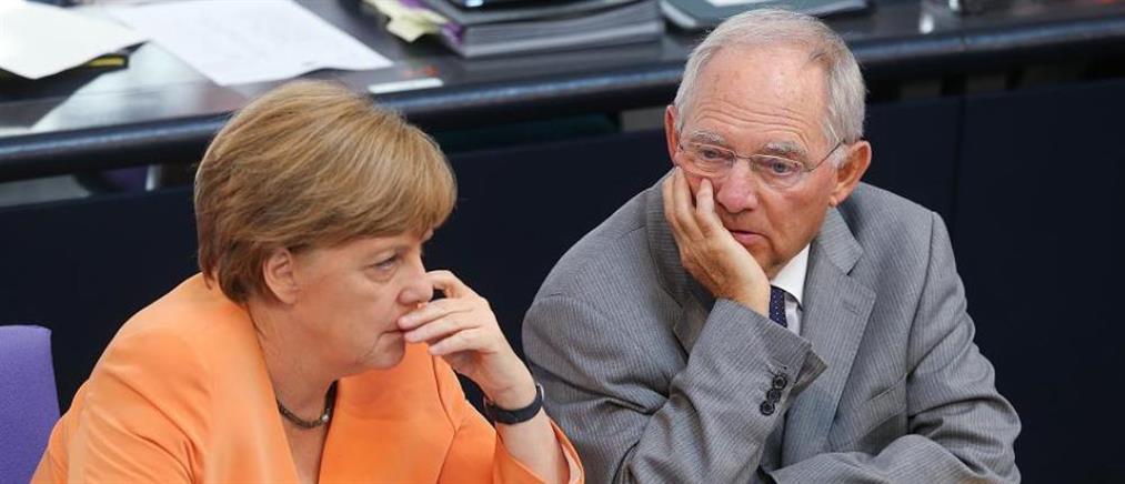 Γερμανία: Οργή για τη στάση Μέρκελ-Σόιμπλε στη Σύνοδο Κορυφής