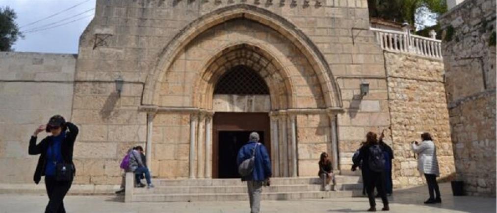 Δεκαπενταύγουστος: Προσκύνημα στον τάφο της Παναγίας στα Ιεροσόλυμα (εικόνες)