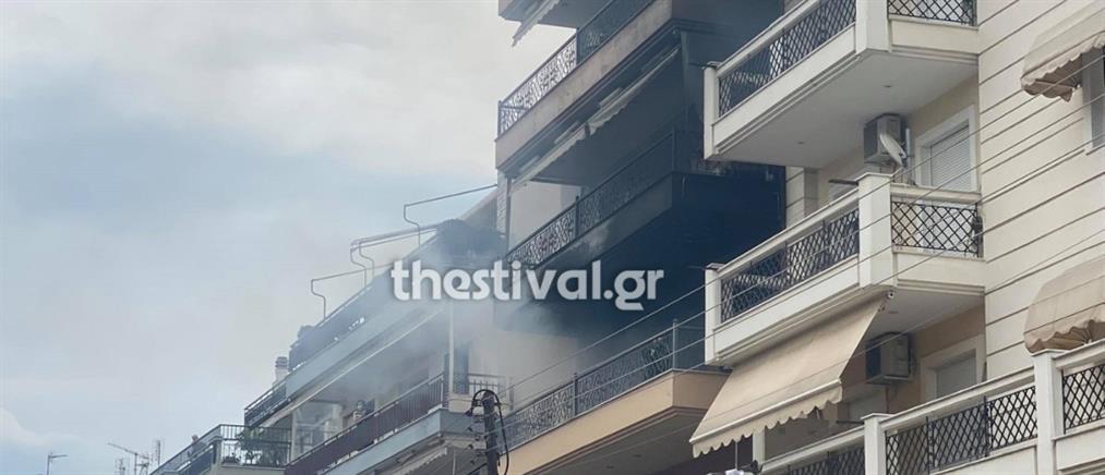 Θεσσαλονίκη: Φωτιά σε σπίτι από ένα κεράκι (βίντεο)