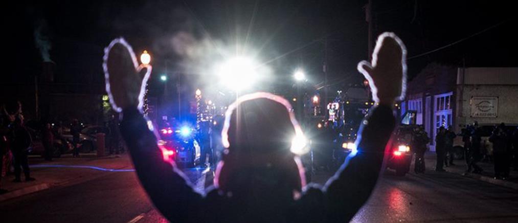 Ηρεμία στο Φέργκιουσον, διαδηλώσεις στο Λονδίνο
