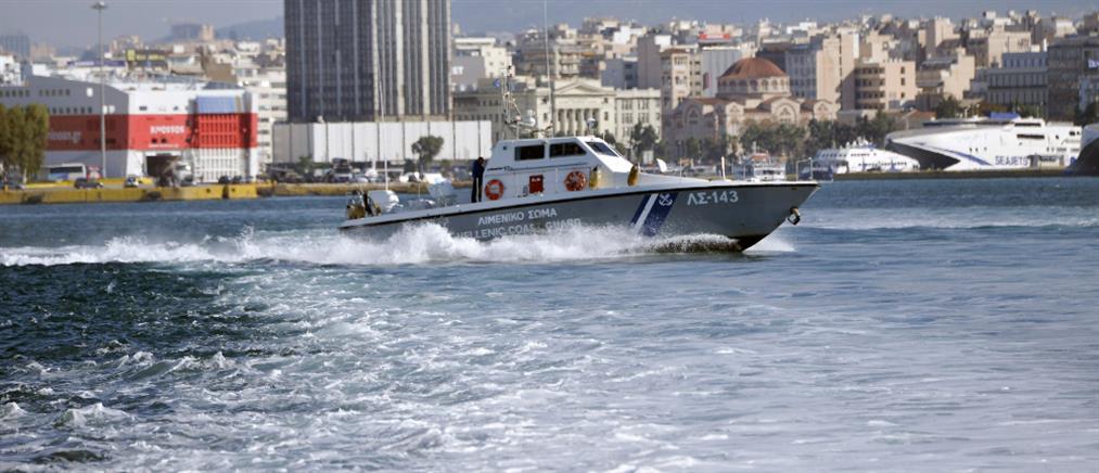 Θρίλερ με πτώμα στο λιμάνι του Πειραιά