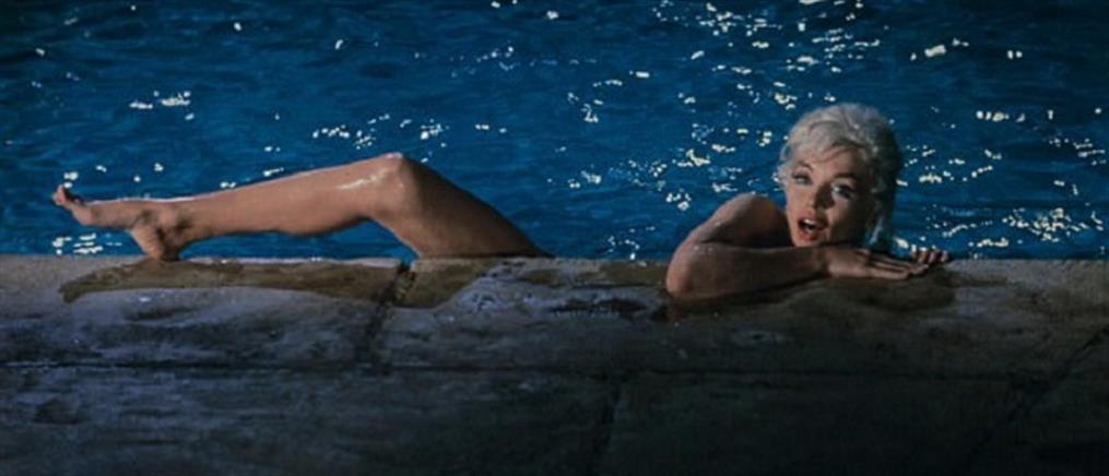 """Στο """"σφυρί"""" δώδεκα γυμνές φωτογραφίες της Μέριλιν Μονρό"""