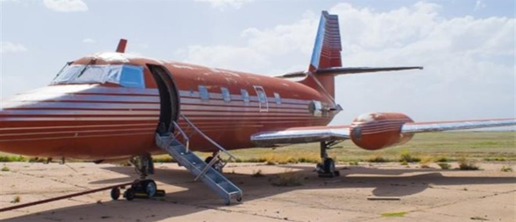 Πωλείται το κόκκινο Lockheed του Έλβις Πρίσλεϊ (φωτό)