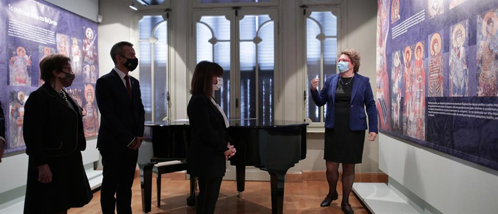 Στην Casa Bianca η Κατερίνα Σακελλαροπούλου