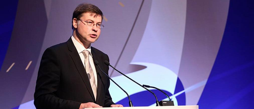 Ντομπρόβσκις: Δεν θα χρειαστούν οι περικοπές στις συντάξεις