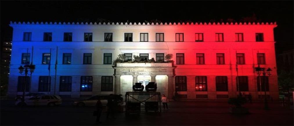 Στα χρώματα της Γαλλίας το Δημαρχιακό Μέγαρο Αθήνας