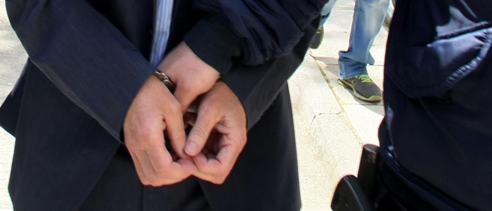 Συνελήφθη αστυνομικός για ξυλοδαρμό ανηλίκων