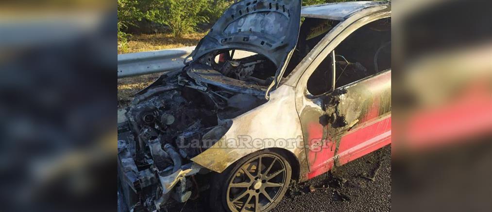 Αυτοκίνητο τυλίχτηκε στις φλόγες στην εθνική οδό (εικόνες)