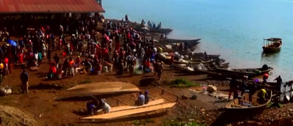 Τραγωδία με νεκρούς από ανατροπή βάρκας (βίντεο)