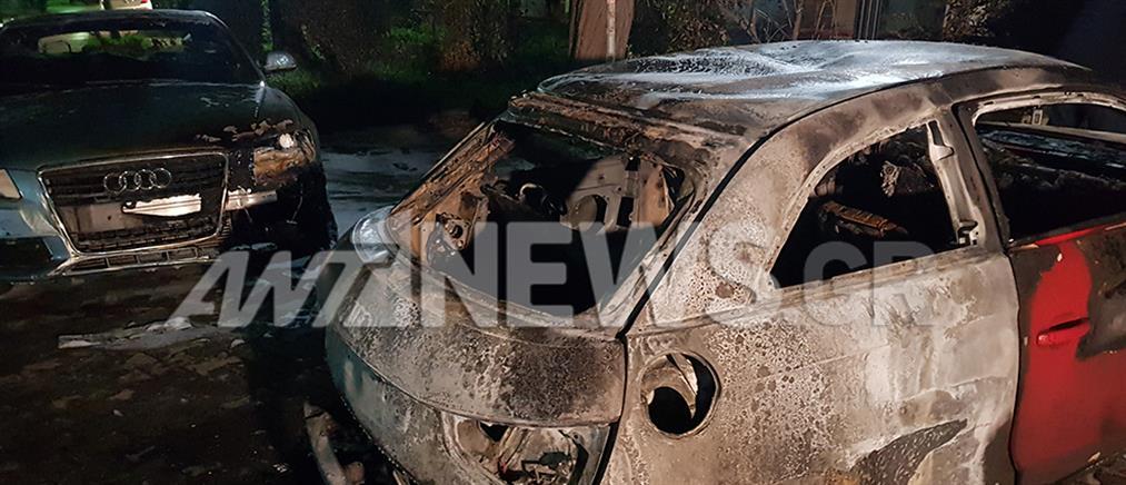 Νέο μπαράζ εμπρησμών: Έκαψαν 20 αυτοκίνητα (βίντεο)
