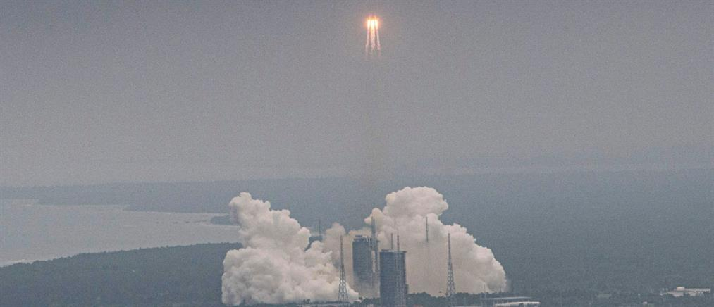 Κινεζικός πύραυλος θα πέσει στη Γη το Σαββατοκύριακο και κανείς δεν ξέρει σε ποια περιοχή