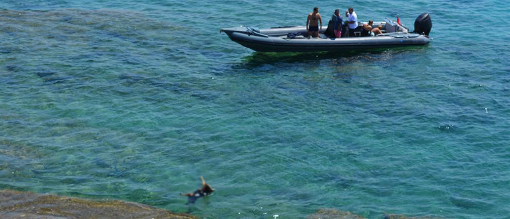 Φρίκη: έδεσαν πέτρα σε λαιμό σκύλου και τον πέταξαν στην θάλασσα (βίντεο)