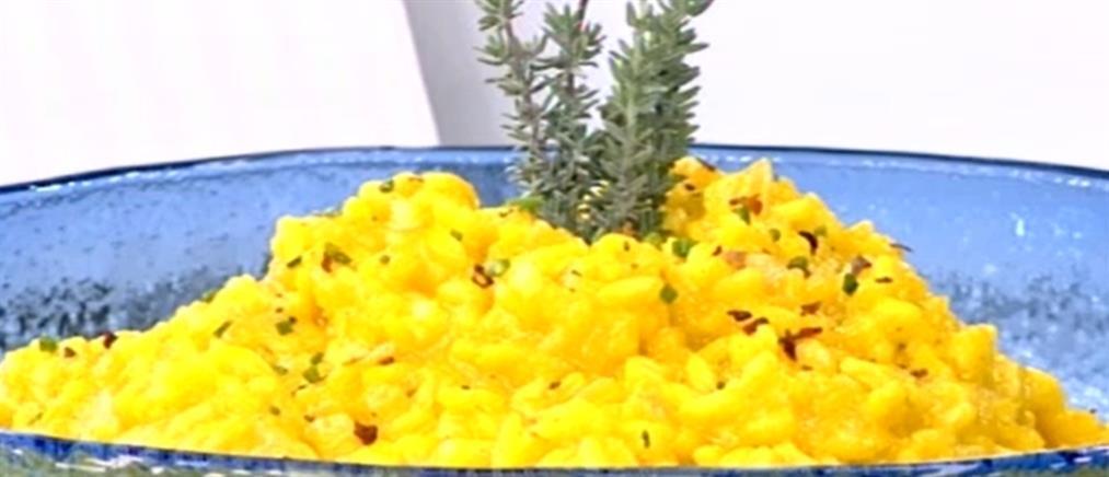 Συνταγή: Ριζότο με κοτόπουλο και σαφράν από τον Πέτρο Συρίγο