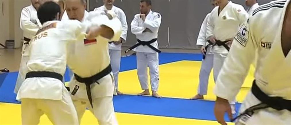 Ο Πούτιν τραυματίστηκε σε αγώνα... τζούντο (βίντεο)