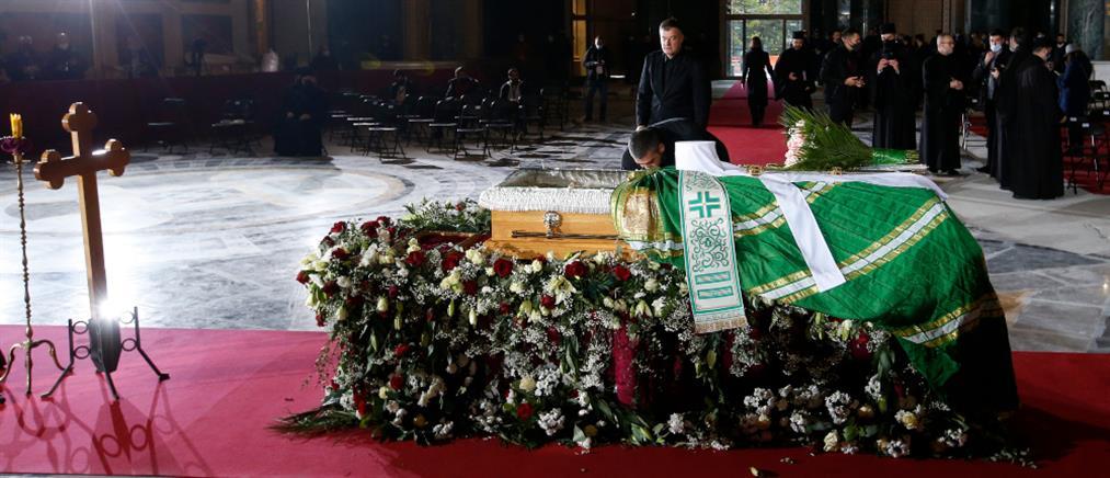 Σερβία: Κηδεύτηκε ο Πατριάρχης Ειρηναίος (εικόνες)