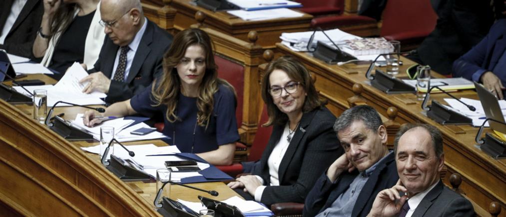 """""""Φωτιά"""" στην Βουλή για μέτρα και απεργίες"""