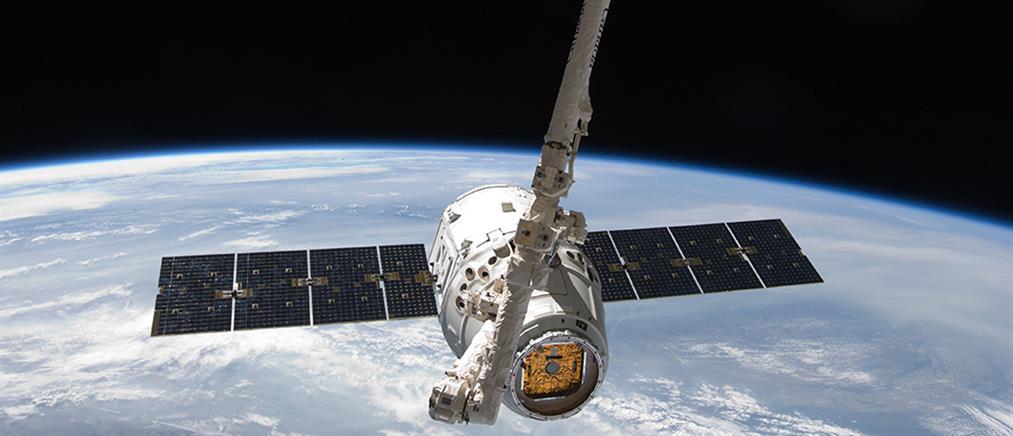 Αναβλήθηκε η πρώτη επανδρωμένη πτήση της SpaceX προς τον ISS
